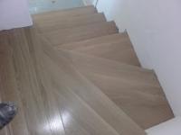schody-debowe-barwione-na-bianco