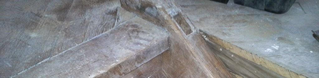 schody-drewniane-przed-renowacja Renowacja, odnawianie schodów drewnianych w Warszawie - Telefon: 609-370-990