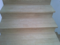 schody-debowe-z-podstopniami-debowymi1