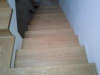 schody-debowe-z-podstopniami-debowymi4